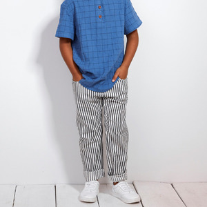 [30%]Black stripe trousers.